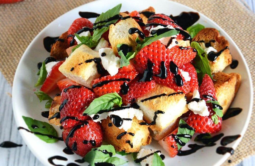 ricetta della panzanella con le fragole